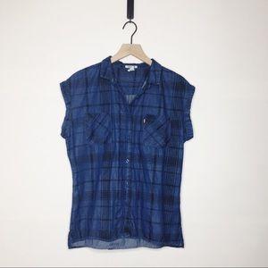 Levi's | Rolled Shoulder Plaid Button Up (H161)